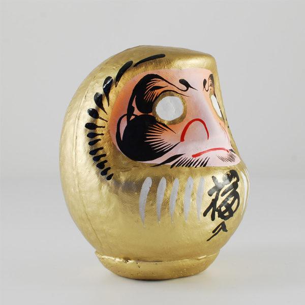 Дарума золотая, 11 см, вид сбоку