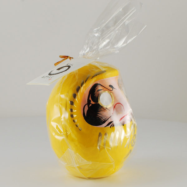 Дарума желтая, 11 см